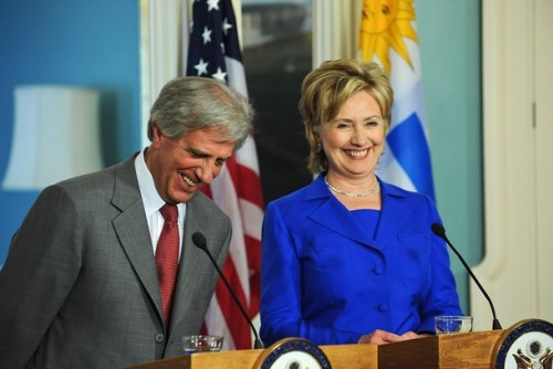 US Secretary of State Hillary Clinton (R