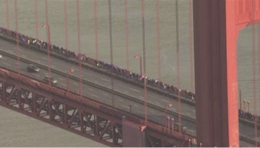 womens_march-01-21-17-13_goldengatebridge